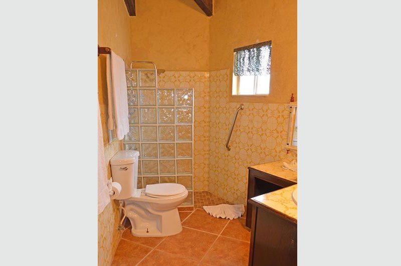 Rocky Point Las-Conchas-Puesta-Del-Sol-Bathroom-2