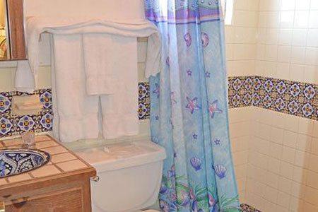 Rocky Point las-conchas-casita-chapman-guest-bath