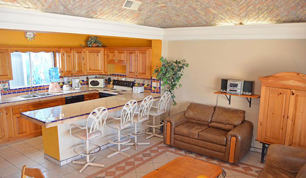 Rocky Point Mirador-Las-Palmas-3bd-living-room-and-kitchen