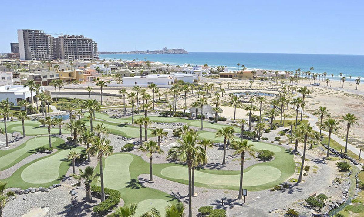 Casa-Blanca-Rocky-Point-mini-golf