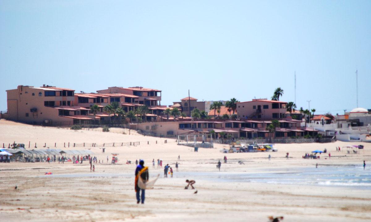 Las-Gaviotas-Rocky-Point-Beach