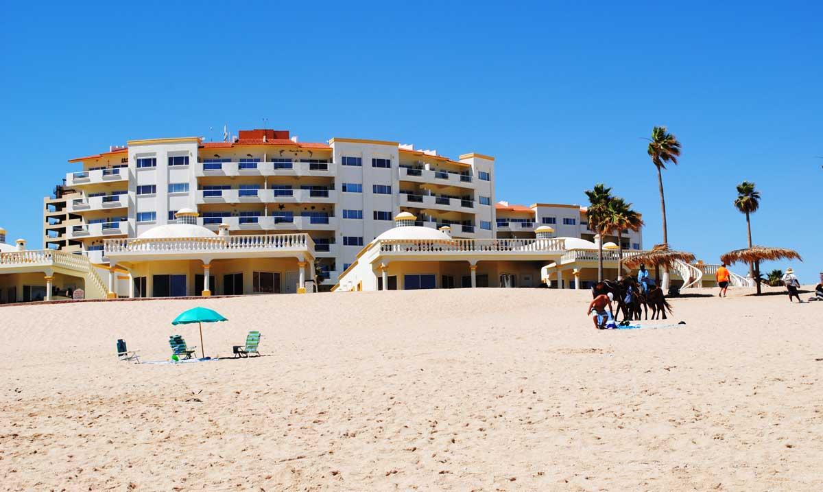Las-Palmas-Rocky-Point-Beach