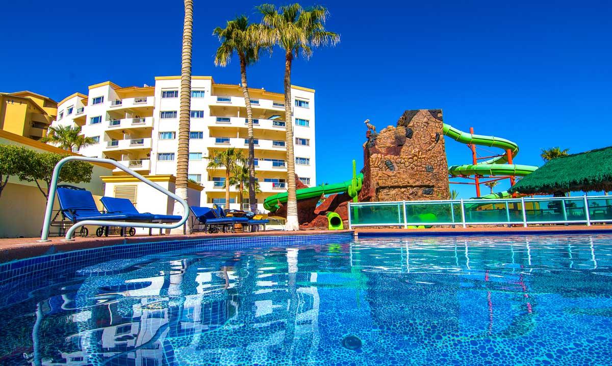 Las-Palmas-Rocky-Point-Big-Water-Slides