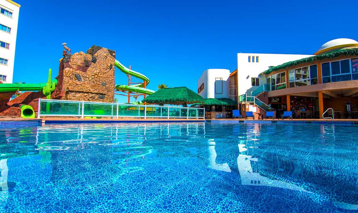 Las-Palmas-Rocky-Point-Pool-Restaurant