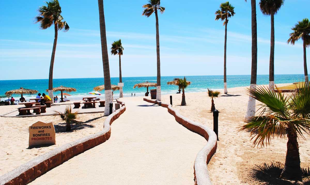 Las-Palmas-Rocky-Point-Walkway-to-Beach